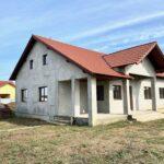 Casa pe un nivel 154 mp Sanleani Livada teren 500 mp-110000 euro