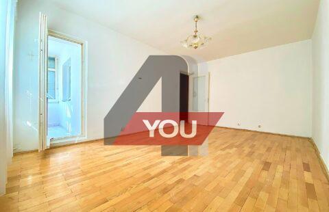 Apartament Arad 2 camere Micalaca zona 300 decomandat 74mp etaj 3/4 cu termoteca -57500 euro