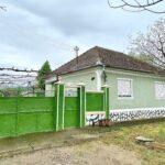Casa traditionala situata in Maderat cu teren generos zona linistita  - 33000 euro