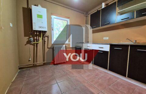 Apartament Arad 2 camere decomandat parter termoteca Alfa pret 48900 euro neg